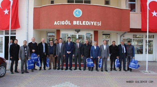 Acıgöl Belediyesi ile Nevşehir Kızılay Şubesi İşbirliğinde 300 Öğrenciye Giyecek Yardımı Yapıldı.