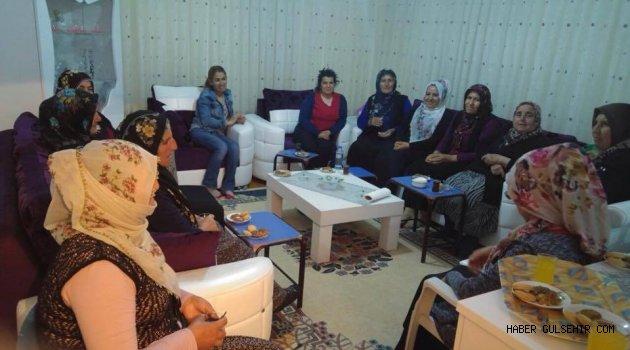''Ak Parti Gülşehir Kadın Kolları'' 'Ramazan Ziyaretlerine Devam Ediyor.