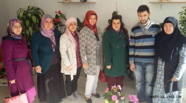 Ak Parti Gülşehir Kadın Kolları Referandum Çalışmalarına Devam Ediyor