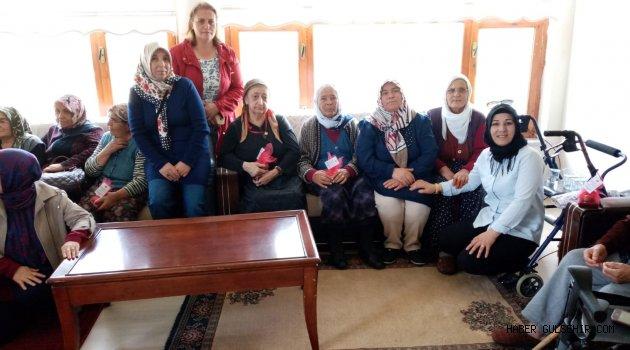 Ak Parti Uçhisar Kadın Kolları Belde Başkanlığından huzur evine ziyaret