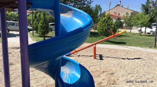 Avanos ilçe Parklarındaki Oyun Grupları Yenileniyor