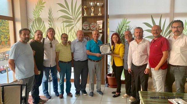 Aydın'daki spor kulübünden TGF'ye teşekkür plaketi