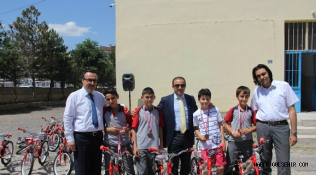 Başarılı 30 İlkokul Öğrencisine Bisiklet Dağıtımı Yapıldı.