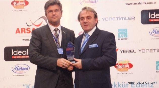 Başkan Ercan; En Başarılı Belediye Başkanı Seçildi.