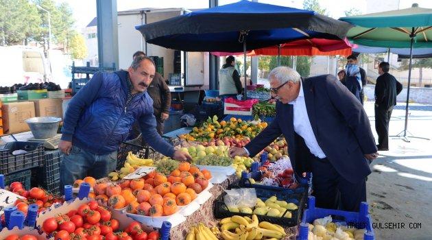 Başkan Karaaslan Uçhisar'da Pazar Gezdi