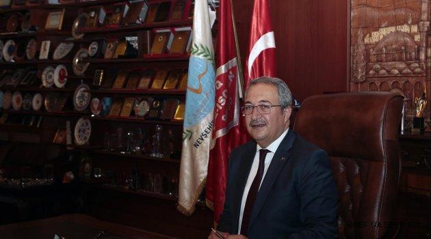 """Başkan Ünver : """"Çanakkale Zaferi, Şanlı Tarihimize Altın Harflerle Yazılmış Bir Destanın Adıdır"""""""