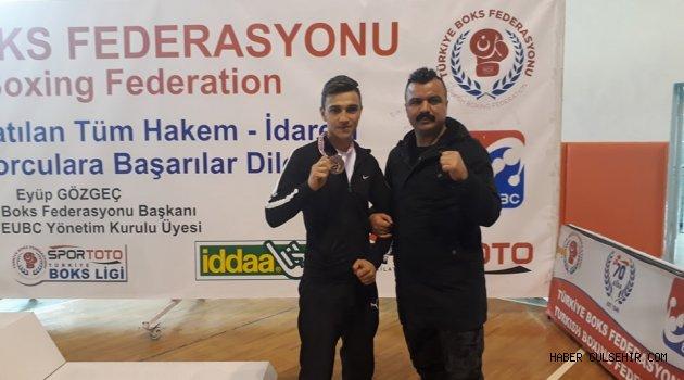 Boksörümüz Samet Akay, Türkiye 3. sü Oldu