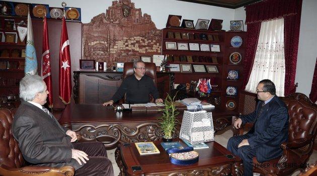 Bursa Nevşehirliler Dernek Başkanı Yıldırım, Ünver'i ziyaret etti.