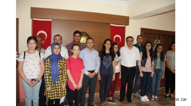 Fen Lisesini Kazanan Öğrenciler'den Ertekin ve Ceylan'a ziyaret.