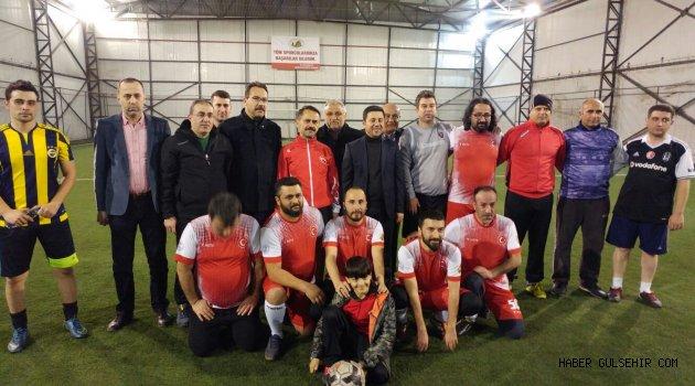 Gençlik Spor Mensupları ile Basın Çalışanları Dostluk Maçı Yaptı.