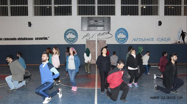 Gençlik ve Spor Kulübü Halk Oyunları ekipleri İddialı.