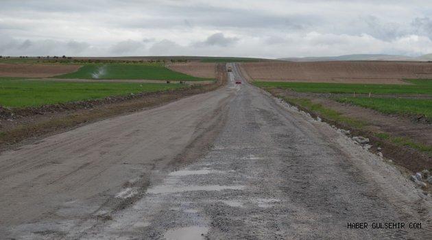 Gülşehir Köyleri'nin Yol Yapım Çalışmaları Devam Ediliyor.