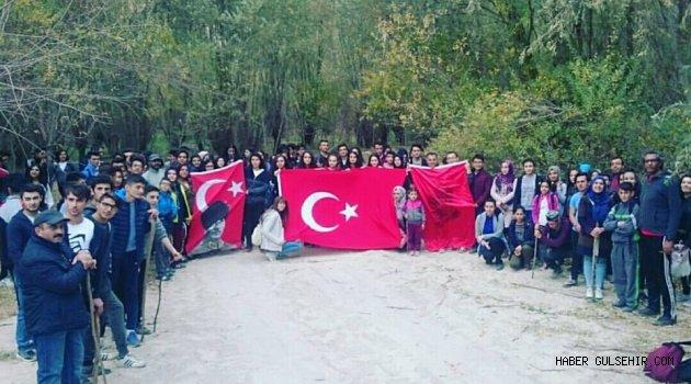 Gülşehir Şehit Hamide Sibel Çetinkaya Anadolu Lisesi Öğrencilerinden Cumhuriyet temalı doğa Yürüyüşü