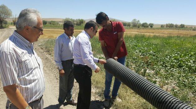 Gülşehir'in Köylerinde kanalizasyon alt yapı ve Asfaltlama çalışması yapılıyor.
