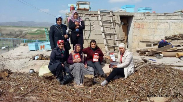 Gülşehirli Ak Kadınlar; 15 Temmuz Gazisi'nin Kızılkaya Köyü'nde İkamet eden Annesini Ziyaret Ettiler