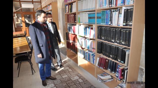 Kaymakam BAYTOK, Gülşehir Halk Kütüphanesinde  incelemelerde Bulundu.