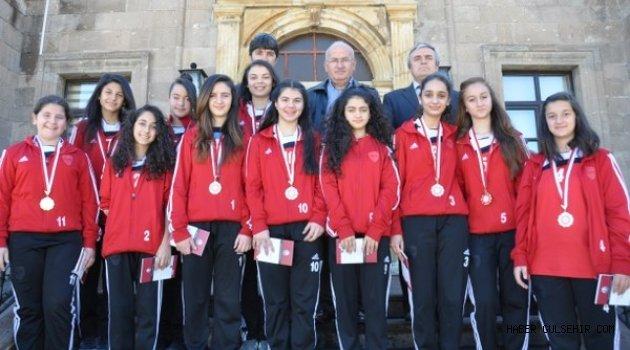 Türkiye Yarı Finalisti Futsal Takımından Ürgüp Belediyesi'ne Ziyaret