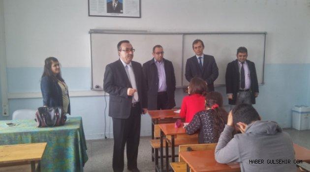Milli Eğitim Müdürü Ceylan, YGS Deneme Sınavını Denetledi.