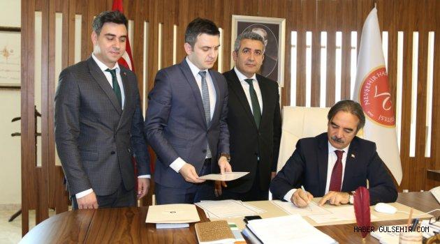 NEÜ ile Yunus Emre Enstitüsü Arasında İş Birliği Protokolü İmzalandı