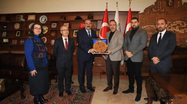 Nevşehir Baro Yönetiminden Başkan Seçen'e Nezaket Ziyareti