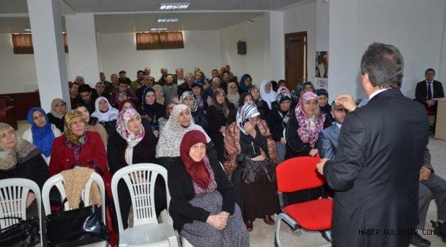 Nevşehir Müftülüğü, Umreci Adaylarını Bilgilendirme Semineri Düzenledi.