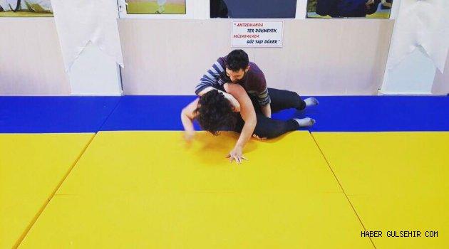 Nevşehir Ülkü Ocakları, güreş kursu açtı