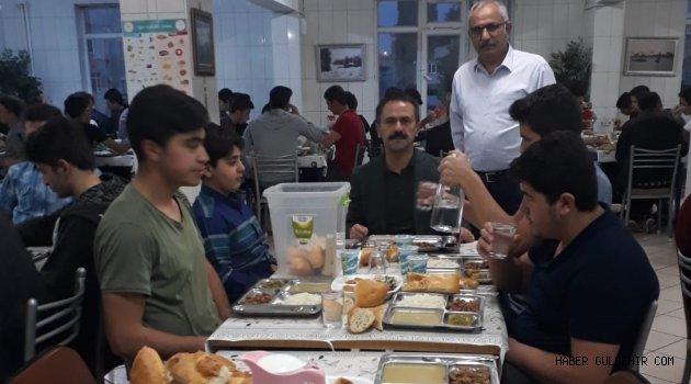 Nevşehir Valisi İlhami Aktaş, İmam Hatipliler ile İftarda Buluştu