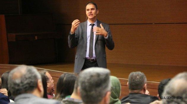 """NEVÜ'de """"11. Kalkınma Planı ve Üniversitelerin Rolü"""" Konulu Konferans Düzenlendi"""