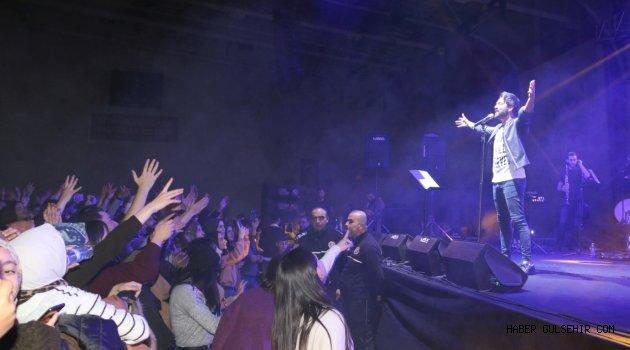 Pop Sanatçısı Yusuf Güney NEVÜ'de Sahne Aldı