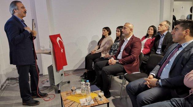 """Rektör Prof. Dr. Mazhar Bağlı'dan """"İslam'da Bilim ve Teknik"""" Konulu Konferans"""