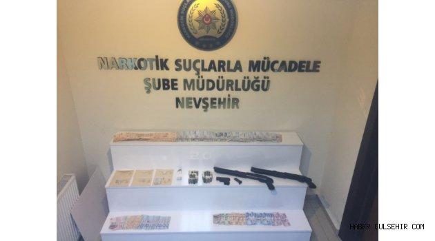 Sekiz Uyuşturucu Taciri Tutuklandı.