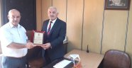 AVANOS ESNAF ODASI'NDAN BAŞKAN PINARBAŞI'YA PLAKET