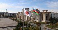 Azerbaycan Bayrağı NEVÜ'de Dalgalanıyor