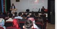 """Gülşehir'de """"Tarihteki Kara Leke Hocalı Katliamı"""" Konulu Konferans Gerçekleştirildi"""