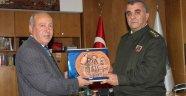 Kıdemli Albay Ramazan Akçadan, Başkan İnce'ye Veda Ziyareti