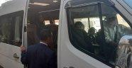 Nevşehir Valisi İlhami Aktaş, Okul servis şoförlerini okul önünde ziyaret etti.