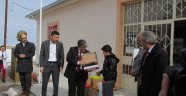 Özlüce Köyünde İhtiyaç Sahibi Öğrencilere Ayakkabı Yardımı