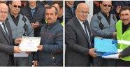 Yıldız'dan Belediye Personeline Takdir Belgesi