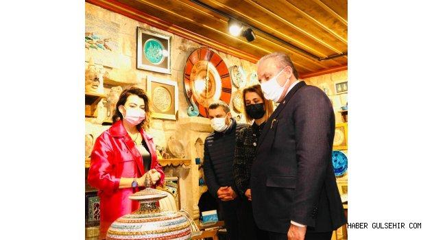 TBMM Başkanı Şentop, Çini Sanatçısı Olçar'ı ve İş Adamı Ölmez'i Kapadokya Sıtkı Sanat Galerisinde Ziyaret etti