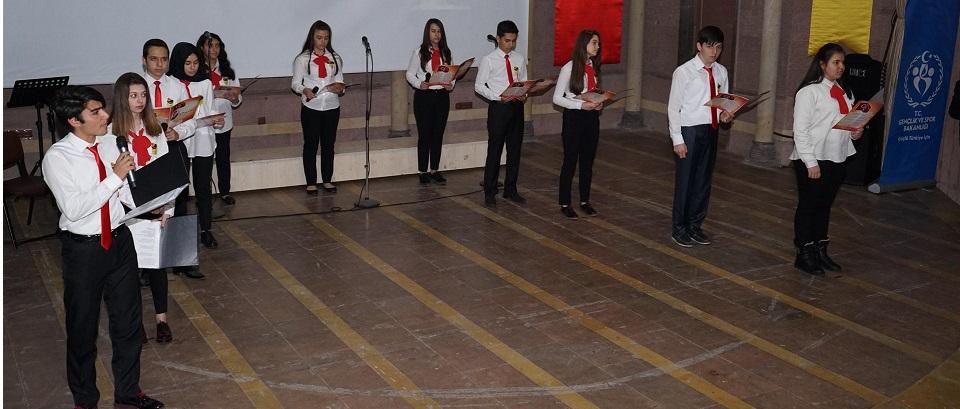İstiklal Marşı'nın TBMM tarafından Kabul Edilişi ve Mehmet Akif Ersoy'u Anma Günü Kutlandı.
