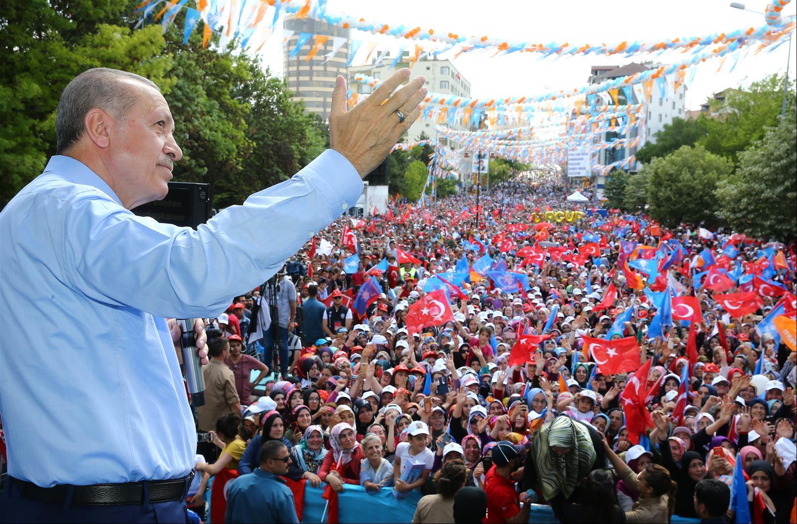 Cumhurbaşkanı Erdoğan'ı Binlerce Nevşehirli Karşıladı. VİDEO HABER