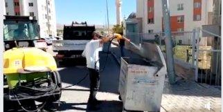 Gülşehir Belediyesi Çöp Konteynerlarını İlaçladı. - VİDEO HABER